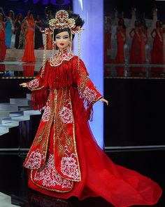 Miss China 2013/14 designed by fittingly Chinese couture designer, Guo Pei.
