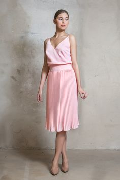 Accordion pleat soft pink dress with straps from Lilli Jahilo Resort 2016