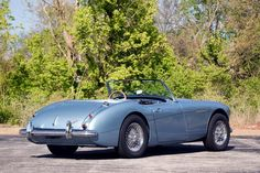 1962 Austin-Healey 3000 Engine: 2912 cc OHV in-line 6-Cylinder 3xSU HSF4 Carburetors /132 bhp 4-Speed Manual Transmission with Overdrive Girling Front Disc and Drum Rear Brakes