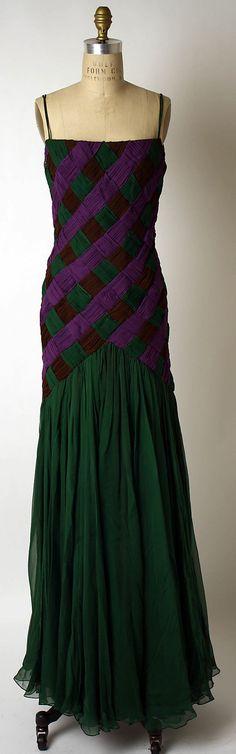 Dress, Evening  Arnold Scaasi  (American, born Canada, 1931)  Date: fall/winter 1988–89 Culture: American Medium: silk
