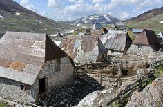 En Bosnie-Herzégovine, les hameaux d'Umoljani et de Lukavac, non loin de Sarajevo.