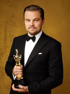 """prettymysticfalls: """""""" Leonardo DiCaprio, winner of the award for Best Actor in a Leading Role for 'The Revenant', poses for portrait session of the Annual 'Academy Awards' [x] [x] """" """" Leonardo Dicaprio Biography, Leonardo Dicaprio Net Worth, Leonardo And Kate, Leonardo Dicapro, John Travolta, Hollywood Actor, Hollywood Stars, Amor Leo, Les Oscars"""