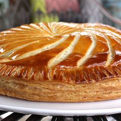 Try this Mushroom, Thyme and Leek Pithivier recipe by Chef Maggie Beer. This recipe is from the show The Great Australian Bake Off. Savoury Pastry Recipe, Savoury Tarts, Pastry Recipes, Cooking Recipes, Great Australian Bake Off, Great British Bake Off, Bake Off Recipes, Beer Recipes, Gbbo