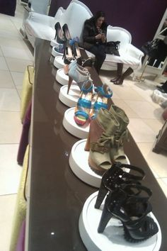 Google Image Result for http://youritlist.com/wp-content/uploads/2011/02/shoe-woo-shoe-display-393x590.jpg