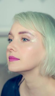 Stardust eyes...inspired by Jem and the Holograms.