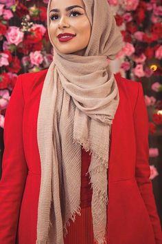Pin Image by Chantik manja Mode Turban, Turban Hijab, Muslim Fashion, Modest Fashion, Fashion Outfits, Habiba Da Silva, Hijab Style Tutorial, Simple Hijab, Head Scarf Styles