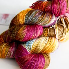 Becoming Art in the Contrary Wise colorway merino/cashmere/nylon