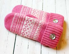 Recycled pink sweater mittens with faux diamond buttons by Miracle Mittens & More #miraclemittens #RecycledSweater #UpcycledSweater #RepurposedSweater #WinterAccessories