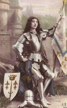 Joan of Arc in armour. Joan D Arc, Saint Joan Of Arc, St Joan, Female Armor, Female Knight, Medieval, Warrior Queen, Knight Armor, Vintage Postcards