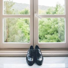 These shoes are made for wedding… And that's just what they'll do  #labodaderuthyjavi // Foto de @jimenaroquero // www.bodasdecuento.com