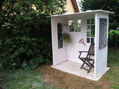 Gartenlaube - Garden Shed Outdoor Spaces, Outdoor Living, Outdoor Decor, Garden Huts, Arbor Bench, She Sheds, Old Doors, Garden Structures, Nursery Design