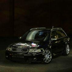 Audi RS4 II von Timo Rehpenning auf Flickr.  Folge diesem Link, um dieses Foto anzuzeigen und zu kommentieren: https://flic.kr/p/sWhHcJ