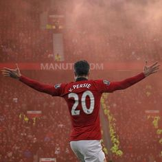 RVP Glory glory Manchester United The red devils Football Fever, Football Is Life, World Football, Football Art, Manchester United Images, Manchester United Football, Pier Paolo Pasolini, Eric Cantona, Van Persie