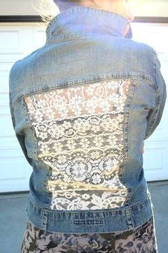 DIY lace insert jacket 2019 'DIY Lace Insert Jacket' Turn an old winter favorite into a spring must have! The post DIY lace insert jacket 2019 appeared first on Lace Diy. Denim And Lace, Diy Lace Jeans, Crochet Clothes, Diy Clothes, Teacher Clothes, Diy Kleidung, Estilo Hippie, Denim Ideas, Lace Jacket