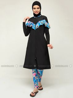 The perfect addition to any Muslimah outfit, shop Emayo's stylish Muslim fashion Blue - Black - Multi - Fully Lined - Fully Covered Swimsuits. Find more Fully Covered Swimsuits at Modanisa! Blue Swimsuit, Muslim Fashion, Swimsuits, Swimwear, Online Purchase, Navy Blue, Stylish, Outfit Shop, Outfits