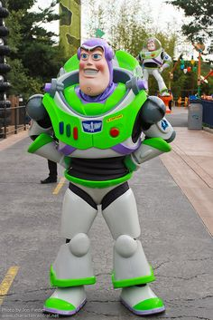 Information about Buzz Lightyear (Buzz) and pictures of Buzz Lightyear including where to meet them and where to see them in parades and shows at the Disney Parks (Walt Disney World, Disneyland, Disneyland Paris, Tokyo Disneyland)
