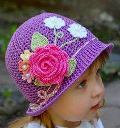 LE GATTE COI TACCHI  Schema cappellino all uncinetto Cappelli Floreali a46e7f642ca2