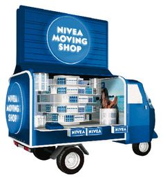 Nivea Pop Up Retail - move your products in stylePop Up Shop Design / Retail Design / Semi Permanent Retail Fixtures / VM / Retail Display!