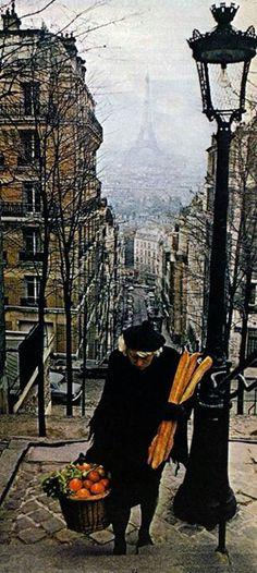 Baguettes in Montmartre #paris #montmartre #hotelmontalembert