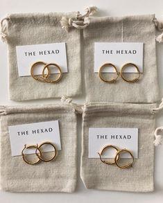 Earrings – Page 12 – Modern Jewelry Emerald Jewelry, Gold Jewelry, Jewelery, Jewelry Accessories, Jewelry Design, Chain Jewelry, Jewelry Box, Bar Earrings, Round Earrings