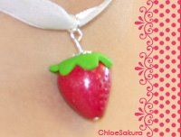 Pendentif fraise.
