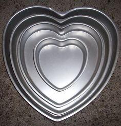 Wilton Vintage Cake Pans Wedding Four Tiered Layered Heart Performance Set