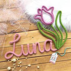239 vind-ik-leuks, 8 reacties - A Mamãe Queria! (@amamaequeria) op Instagram: 'Luna Para orçamentos e encomendas visite nossa lojinha (www.amamaequeria.com/) Clique no…' Wire Crafts, Diy And Crafts, Felt Puppets, Diy Fashion Hacks, Spool Knitting, Rope Art, Diy Letters, Patch Quilt, Crochet Home