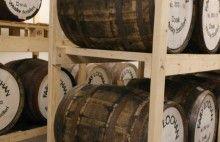 Edinburgh Whisky Blog  http://www.edinburghwhiskyblog.com/