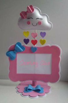 Enfeite porta retrato chплгш не пппuva de amor com molde para imprimir grátis Que tal fazer lindos porta retratos chuva de amor para enfeitar os mov. Kids Crafts, Diy Arts And Crafts, Felt Crafts, Paper Crafts, Diy Y Manualidades, Baby Shawer, Ideas Para Fiestas, Frame Crafts, Craft Ideas