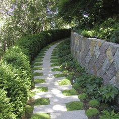 Garden Paths That Are Off The Beaten Path Easy garden path to DIY, interplant with creeping herb varieties for a scented pathway stroll.Easy garden path to DIY, interplant with creeping herb varieties for a scented pathway stroll. Diy Garden, Dream Garden, Garden Paths, Garden Landscaping, Landscaping Ideas, Backyard Ideas, Garden Art, Pebble Garden, Backyard Walkway