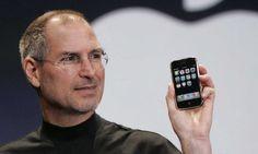 """Trong thông điệp gửi đi nhân dịp 10 năm ngày chiếc iPhone đầu tiên ra đời, CEO Tim Cook nói rằng """"chiếc iPhone tốt nhất vẫn chưa ra mắt"""". Ngày 9/1/2007, Apple ra chiếc iPhone đầu tiên và đến nay nó đã tròn một thập kỷ. Trong thông cáo báo chí, công ty công nghệ Mỹ nhắc lại khoảnh khắc biểu tượng mà Steve Jobs đã nói trên sân khấu Macworld tại San Francisco (Mỹ): """"Một chiếc iPod màn hình rộng có cảm ứng, một thiết bị di động cách mạng, một sản phẩm phá vỡ cách thức kết nối"""