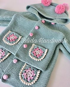 Baby Cardigan Knitting Pattern, Knitted Baby Cardigan, Baby Knitting Patterns, Stitch Patterns, Crochet Clothes, Diy Clothes, Crochet Curtains, Baby Kind, Baby Needs
