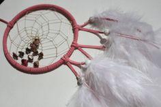 Stierkreiszeichen STIER:  Geburtstag: 21.04.- 20.05.    Handgefertigter Traumfänger - Kraftspender  in rosa mit Rhodonit    Dem Traumfänger - Dreamcatcher - sagt man nach er sorge für einen ruhigen und e...