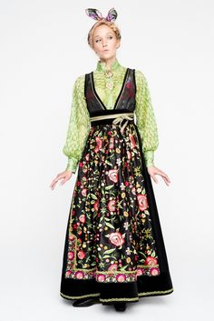 Eva Lie Design Folk Costume, Costumes, Character Inspiration, Style Inspiration, Fantasy Gowns, Period Outfit, Nordic Style, Folklore, Traditional Outfits