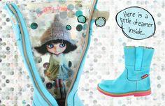 Loved by Shoesme is een nieuwe groep in de collectie voor girls; stijlvolle laarzen in frisse kleuren. Echte eyecatchers aan de voetjes en dan hebben we het nog niet eens over de unieke voering gehad! Een super girly fantasieprint aan de binnenkant maakt deze laarzen ook als je ze niet aan hebt super om te zien. Niet alleen Loved by Shoesme, maar ook loved by you?