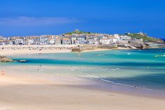 Exploring the coastal Cornish town of St Ives? Check out our guide to the best things to do, see, eat and drink, from Cornish pasties to Tate St Ives. St Ives Cornwall, Devon And Cornwall, St Ives Beach, Beach Wall Murals, Cornwall Beaches, Snowdonia National Park, Karpathos, Beach Wallpaper, Photo Wallpaper