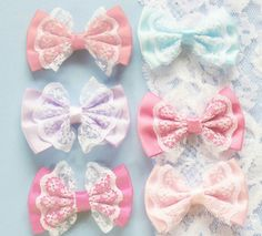 This is such a cute and unique style of bows!!! Lovin' Lace!!