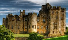 ALNWICK CASTLE. Discover the glorious Medieval Alnwick Castle, home to the Duke of Northumberland's family, the Percys, for more than 700 years. View the dedicated board here -> http://pinterest.com/northumberlandc/alnwick-castle-in-northumberland/