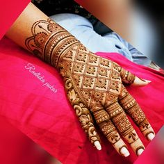 Hi everyone , welcome to worlds best mehndi and fashion channel Zainy Art . Hope You guys are liking my daily update of Mehndi Designs for Hands & Legs Nail . Khafif Mehndi Design, Henna Tattoo Designs Simple, Latest Bridal Mehndi Designs, Back Hand Mehndi Designs, Full Hand Mehndi Designs, Mehndi Designs 2018, Modern Mehndi Designs, Mehndi Designs For Girls, Wedding Mehndi Designs