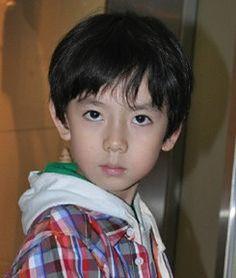 Sehun as a baby! He is sooooooooooooooo cutee! Baekhyun, Exo Ot12, Chanbaek, Cute Baby Girl, Cute Babies, K Pop, Day6 Sungjin, Sehun Cute, Diana