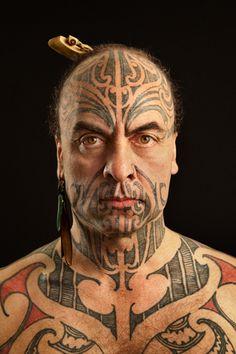 Maori Moko   ... des Bildes: Maori-Künstler George Nuku mit traditionellem Moko