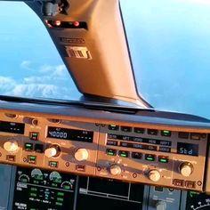 Around The World Cruise, Video Land, Pilot Humor, Private Pilot License, Aviation Training, Luxury Jets, Aviation World, Airplane Photography, Airplane Pilot
