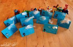 Dem Pinguingeburtstagsshirt folgte natürlich ein Pinguingeburtstag. Vor nun schon wieder vier Monaten war das die letzte Familienfeier, die wir uns im kleineren Kreis getraut haben. Die Schulen und Kindergärten waren offen und der Kontakt möglich. Trotzdem war ich froh, dass ich über einen Kindergeburtstag beim Jüngsten gar nicht erst nachdenken musste. Bei der Tochter damals […] Nintendo 64, Logos, Party, Penguin Birthday, 3rd Birthday, Schools, Place Cards, Remember This, Logo
