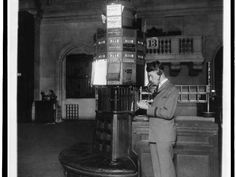 A NYSE worker using the phone in 1928.