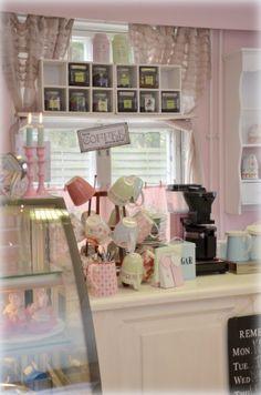 Mallan Makeat kahvila Cafe Restaurant, Restaurant Recipes, Bakery Decor, Coffeehouse, Volleyball, Shop, Coffee Shops, Loft Cafe, Coffee
