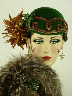 Vintage Hat 1930s Beautiful Green Skull Cap Brown Velvet Trim Feather Flowers