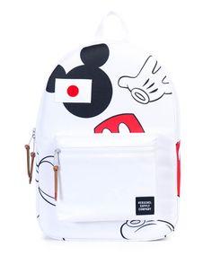 Âme adulte s'abstenir ! La nouvelle collection de sacs à dos et petits accessoires, née de la collaboration entre Herschel Supply et les studios Disney, s'adresse définitivement aux nostalgiques de…