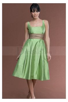 New Fashion Adorable Square Neckline Bridesmaid Dresses with Knee-Length Skirt and Zip Closure