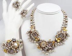 Vintage-Signed-Miriam-Haskell-Pearl-Rhinestone-Necklace-Bracelet-Earrings-SET