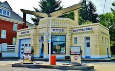 1933 Art Deco Station - now why doesn't my gas station look like this?
